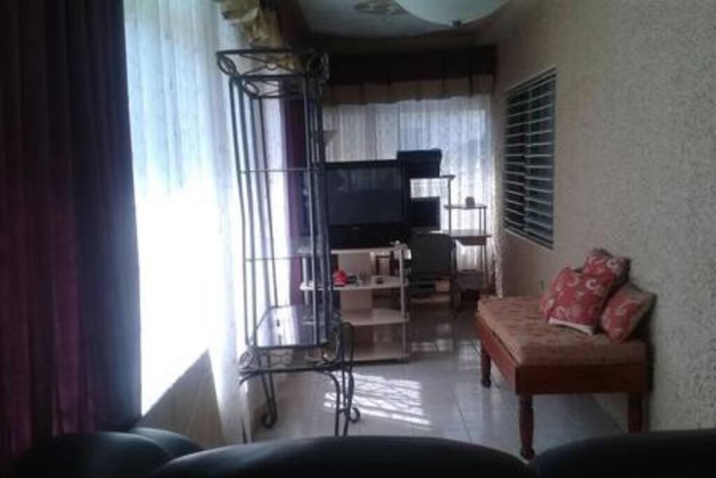 3bedroom tv room