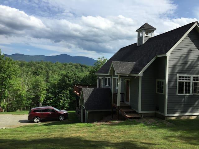 Sunny Mountain Home, Beautiful Views - Sugar Hill - House