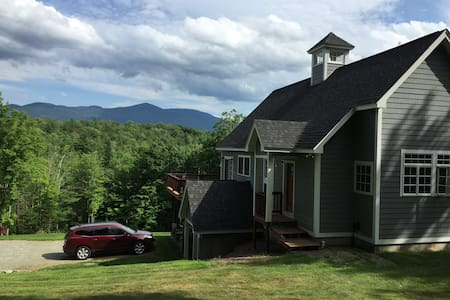 Sunny Mountain Home, Beautiful Views - Sugar Hill