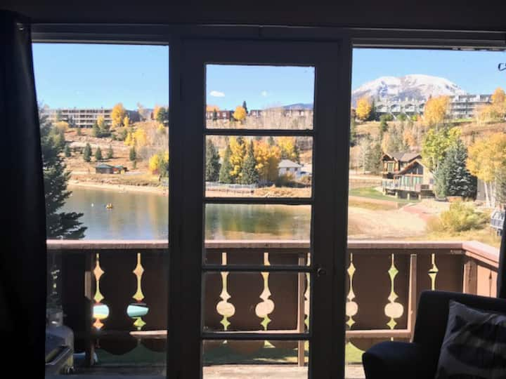 Condo on Lake Dillon with a Canoe!