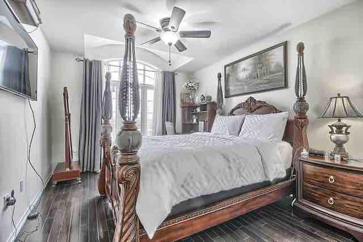 Royal Victorian Bedroom
