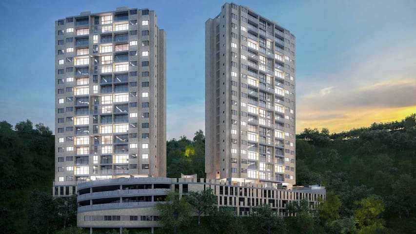 Habitación cómoda con vista a toda la ciudad