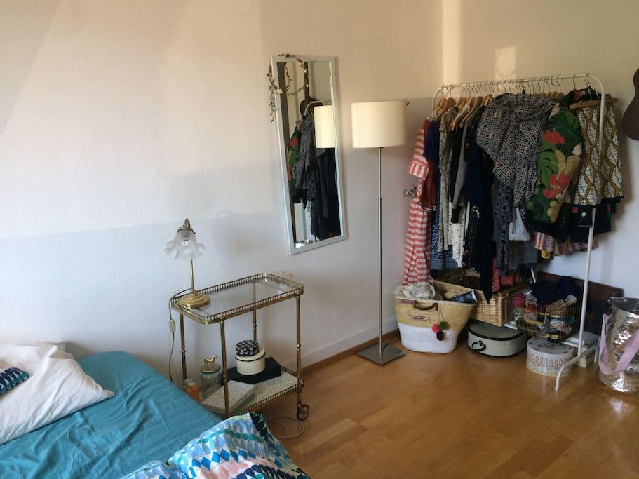 Bedroom- Schlafzimmer