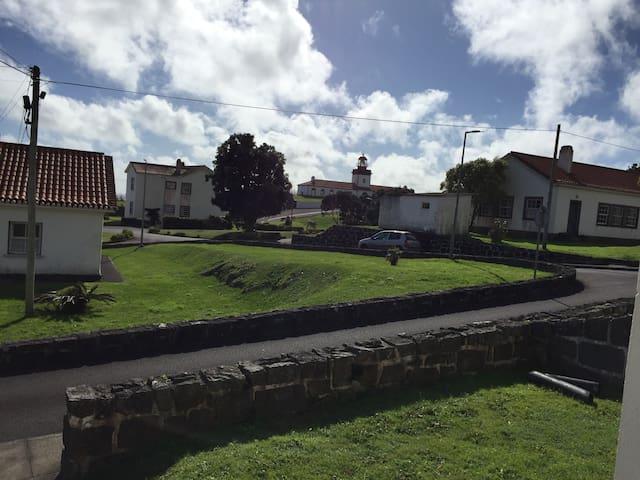 """Moradias Radio Naval """" S. Roque do Pico"""""""