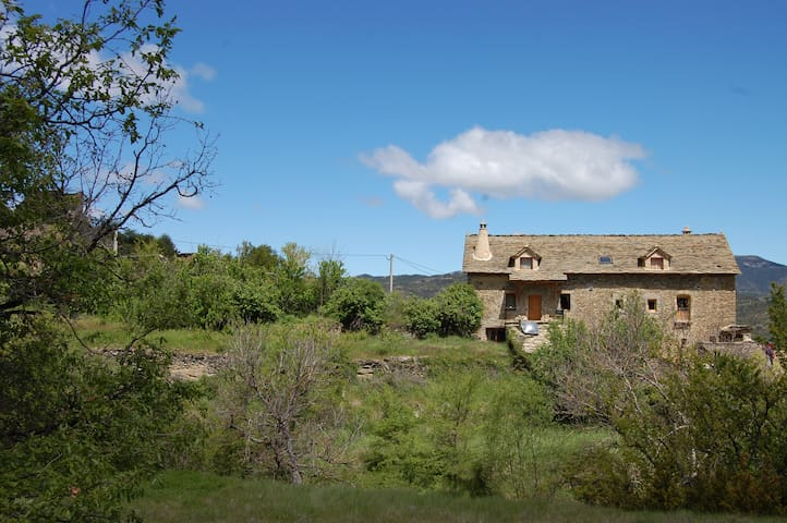 Casa Dorondon - Casa de piedra