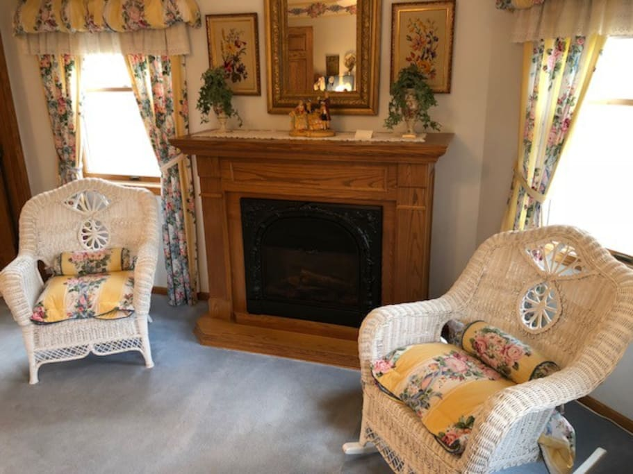 Country Garden Room - Fireplace & Sitting Area