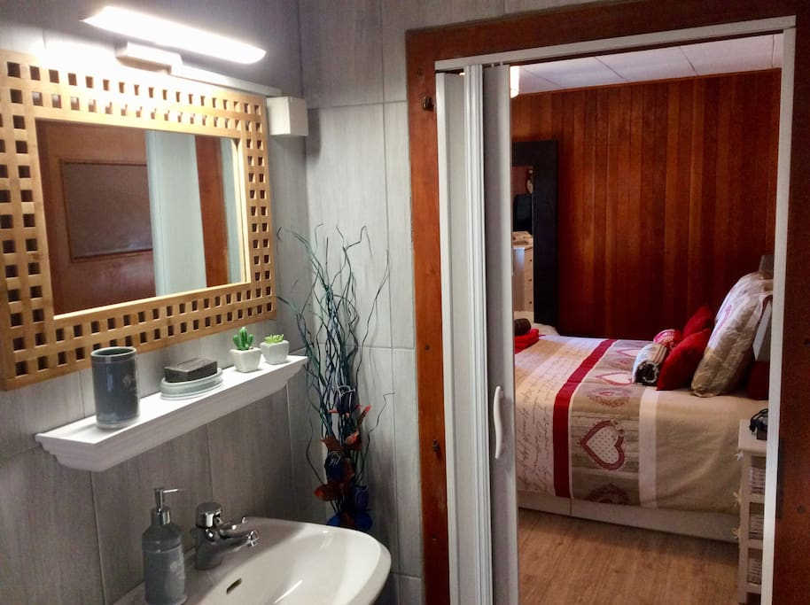 Chambre Tour D'Aï - Salle de bain privée