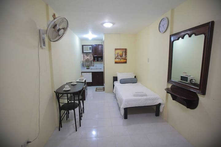 Furnished Studio Single Beds for Friends & Family - Naga - Apartment