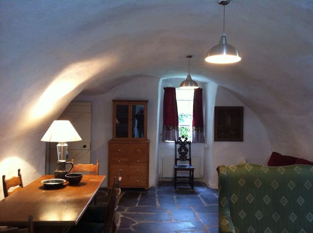 A Medieval bolt-hole. - Bohermeen - Apartment
