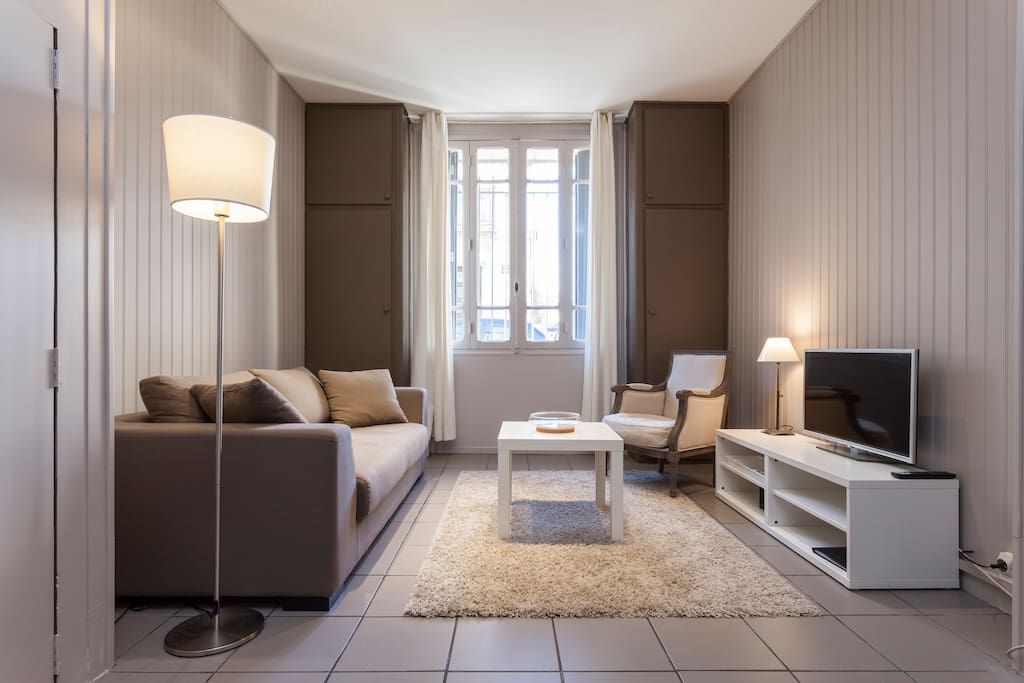 charmant studio 2 pas centre ville appartements louer montpellier languedoc roussillon. Black Bedroom Furniture Sets. Home Design Ideas
