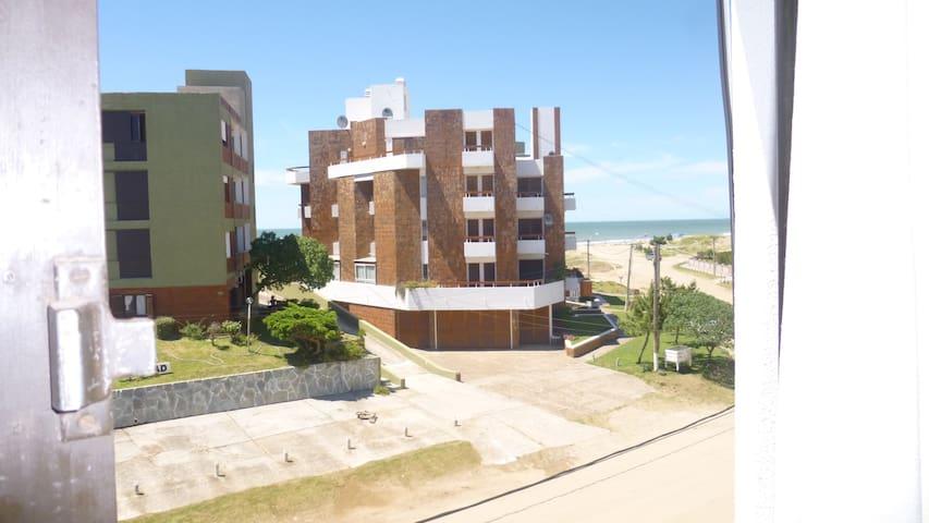 Gesell \ Frente al Mar - Villa Gesell - Apartamento
