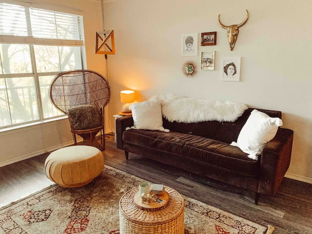 Cute Bohemian Apartment Off South Congress!