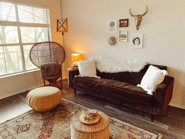 Cute Bohemian Apartment Off South Congress!