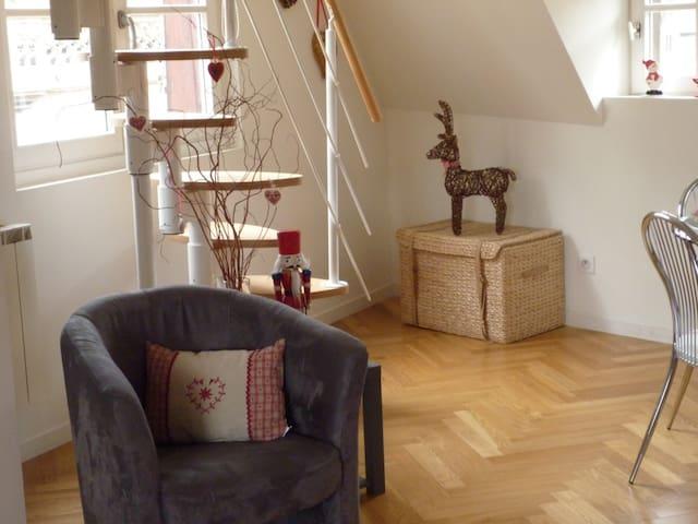 Montons à l'étage... Let's go to the top...