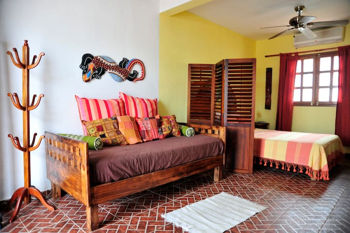 CANCUN GUEST HOUSE # 2 - Cancún - House