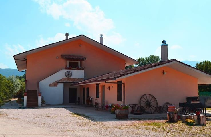 A. S. Pecci Ranch Bed and Breakfast - Tagliacozzo