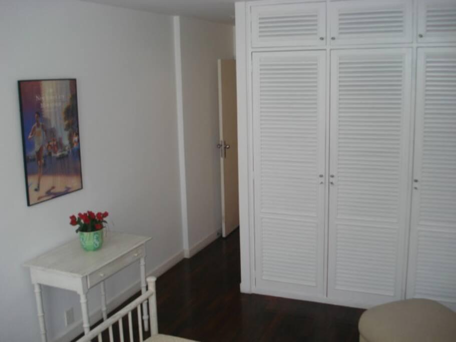 armário embutido da suite
