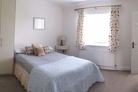 Double bedroom in warm, welcoming home in skerries