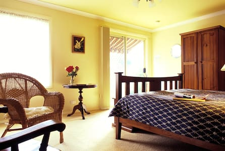 Deluxe B&B in the main street - Heathcote