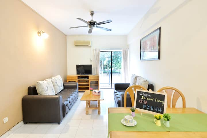 Good Three Bedroom Apartment with Wi-Fi at Kijal