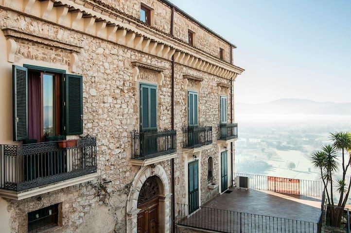 Affascinante appartamento in villa - Loc Caprile, Roccasecca - อพาร์ทเมนท์