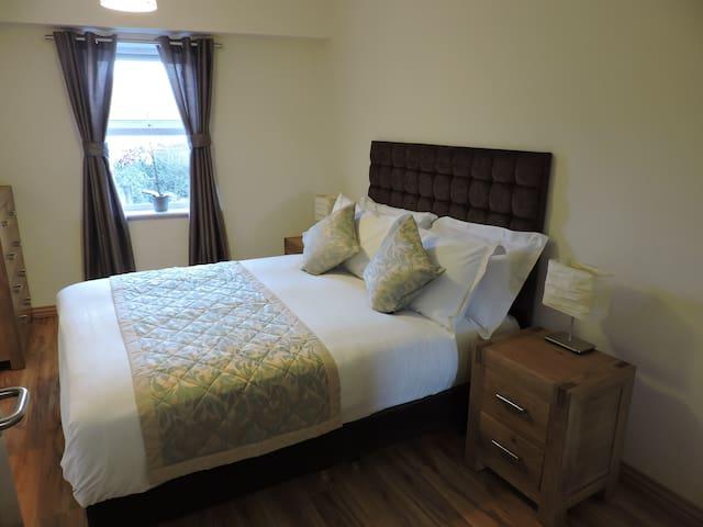 Apt.3 Five Lamps Suites(Min 20 nts) - Dublin - Apartment