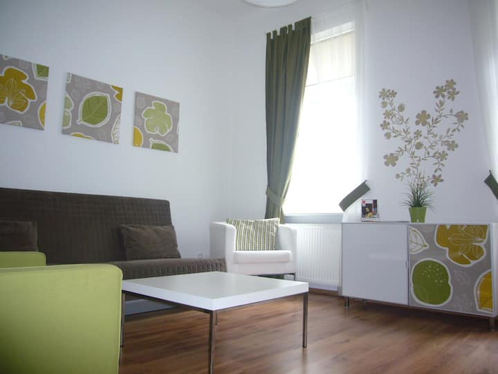 sCharming Old Town Apartment