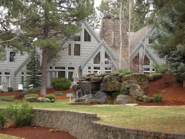 StoneRidge Townhomes, Luxury in Sunriver, OR