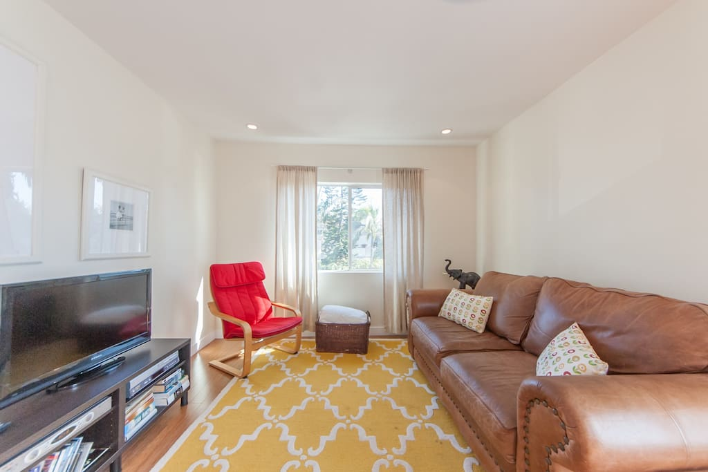 Light Bright Venice Beach 2 Bedroom Apartments For Rent In Los Angeles Cal