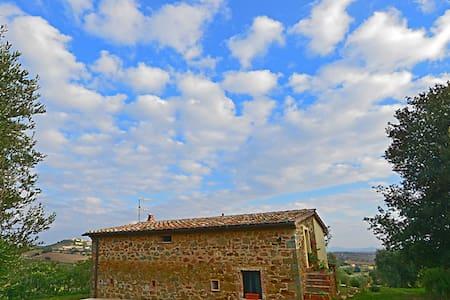 Casale nella campagna toscana - Magliano in Toscana