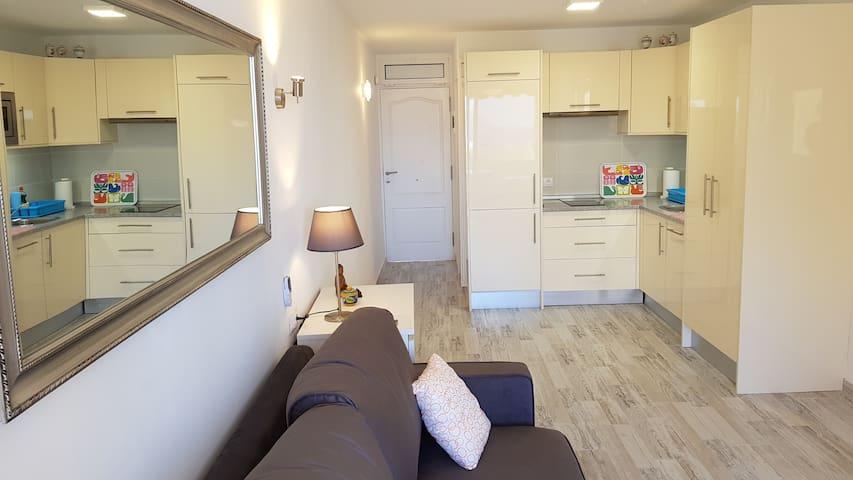 Sea view studio apartment ☼Playa de la Arena☼