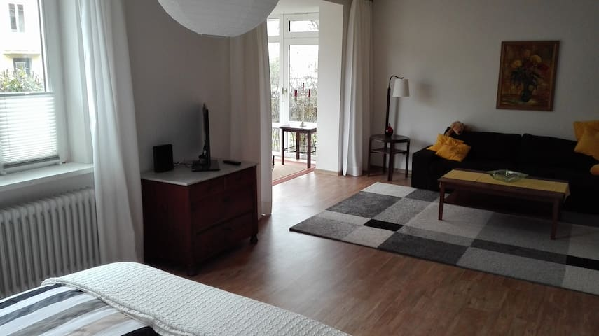 40m2 Zimmer mit Wintergarten - Oldenburg - Appartement