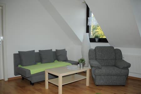 Modernes Dachgeschossapartement - Grevenbroich - Flat
