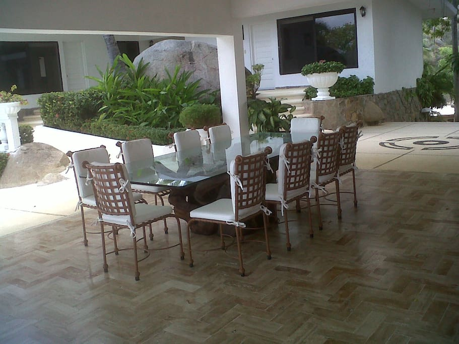 Cooking and cleaning service included  with rent