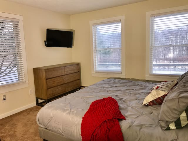 1 Bedroom Condo on Shuttle Route