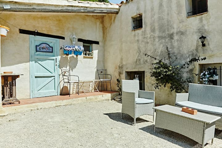 Rustic Annex - L'Ametlla de Mar - Bed & Breakfast