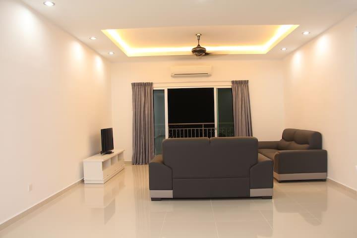 1 SKY Condo @ FREE WIFI, 3 Room 2 Bath, Bayan Baru - Bayan Lepas - Condominium