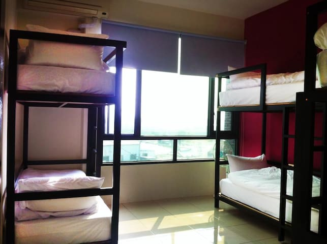 6 beds mix dorm - per bed - Donggang Township - Daire