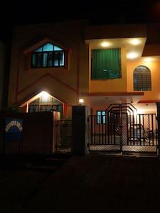 Nanda Villa (1 BEDROOM Option) - Ház