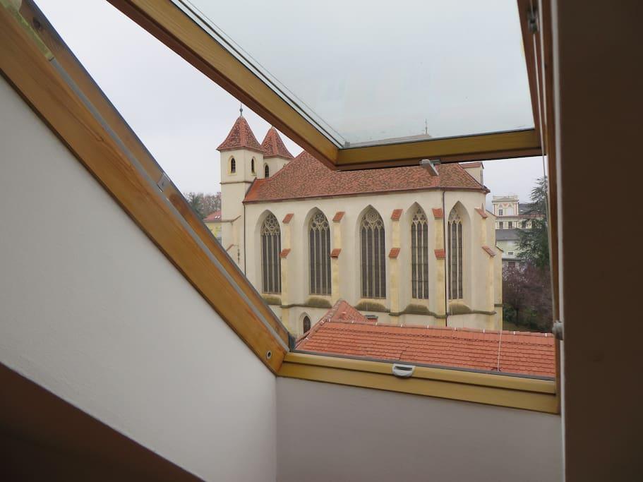 Blick auf die älteste Kirche von Graz