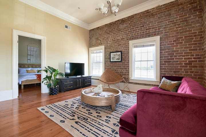 Sonder | Irish Channel Lofts | Chic 2BR