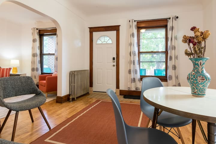 Charming 2 Bedroom in Art & Culture Neighborhood
