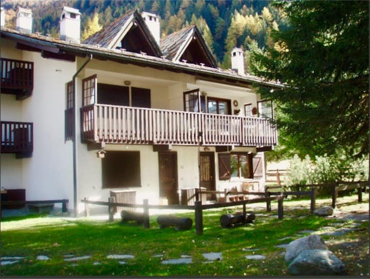 Alpine Home for Mountain Lovers in Buic-La Thuile