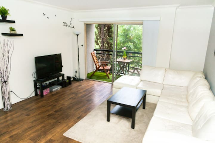 Private' room in the heart of Hollywood. A - Los Angeles - Apartment