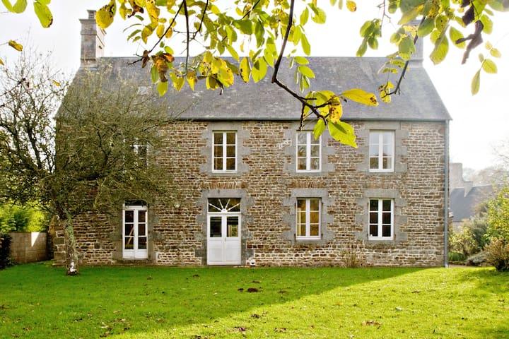 Grande maison familiale - Champeaux - Ház