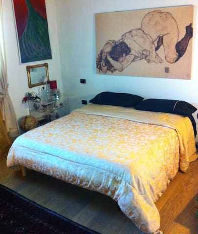 bedroom and bathroom - San Giuseppe - Apartment