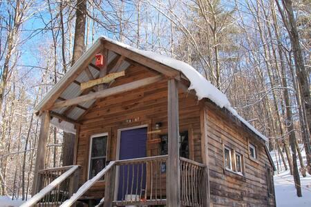 Off the grid solar powered Retreat Cabin - Denmark