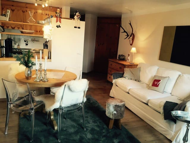 Cosy apartment near skiing area   - Flims - Huoneisto