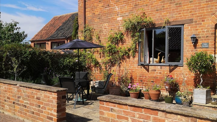 A comfortable annexe in rural lincolnshire.