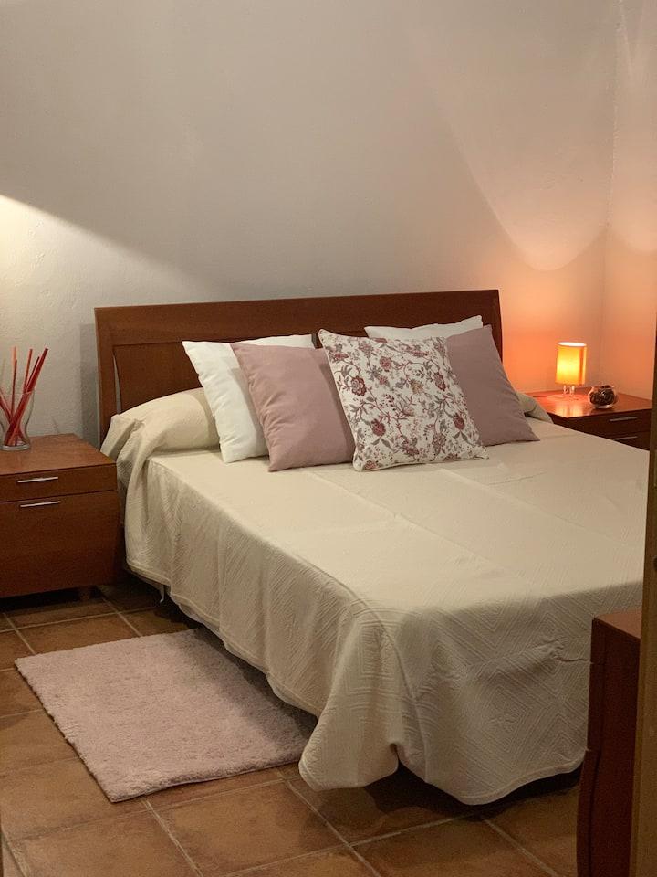 Dormitorio de pareja ,feria ,wifi ,Metro
